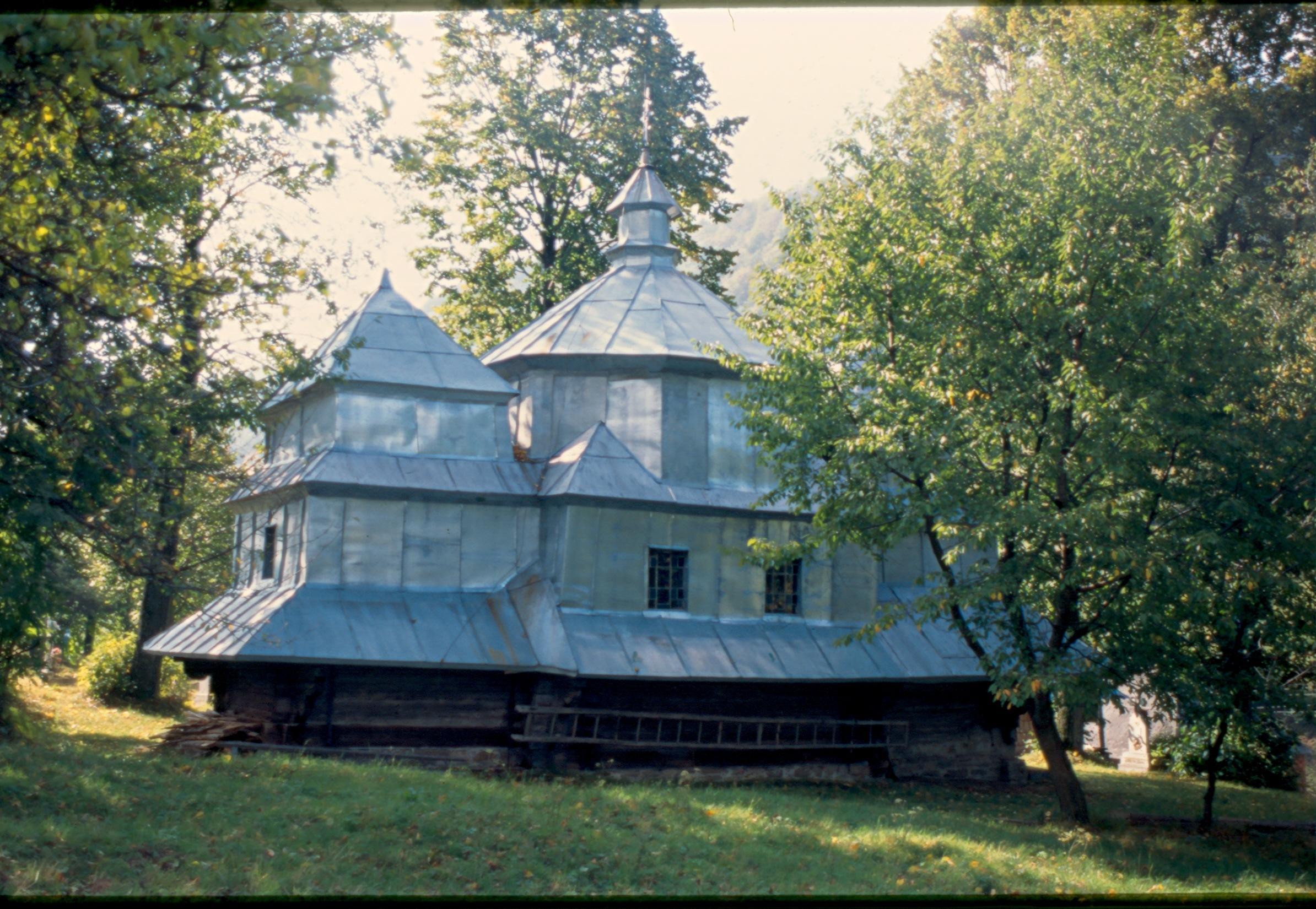 Село Гусний церква сьогодні